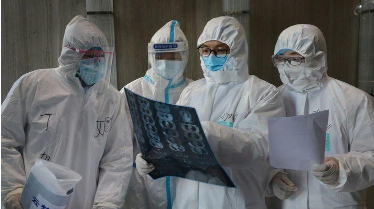 El virus puede permanecer indefinidamente en personas recuperadas, dice científico brasileño.