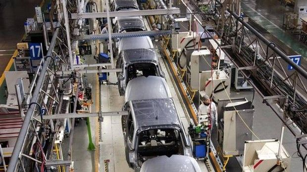 En España empresas automotrices cierran sus fábricas para prevenir a sus trabajadores. (Fuente: GEN Español)