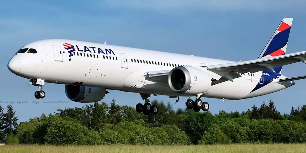 La pandemia golpea fuerte a las líneas aéreas. Latam despide a 1400 empleados.