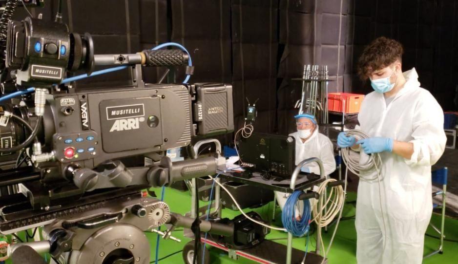 """Nada de escenas con mucho """"acercamiento"""". Así se prevé la nueva forma de hacer audiovisual."""
