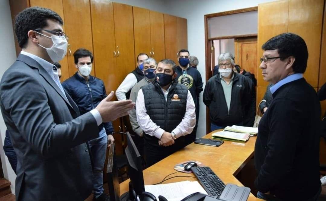 El diputado Sebastián García dio positivo al coronavirus. Y así visitó al intendente de Encarnación Luis Yd.