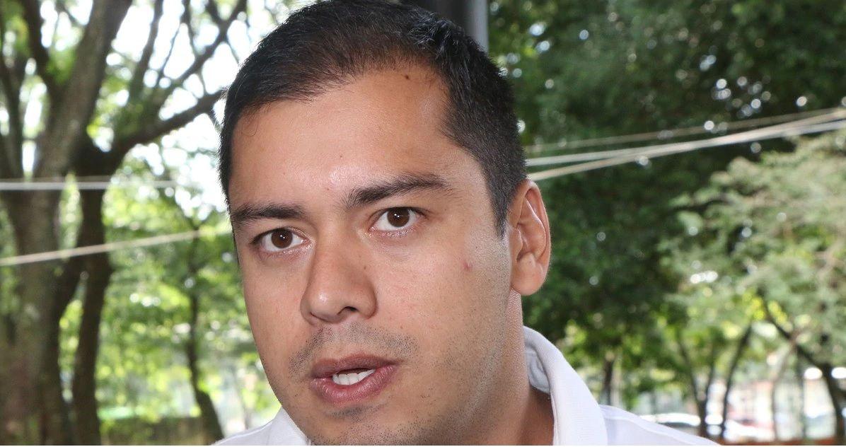 Luis Prieto hizo la gran Bolsonaro negando al virus. Hoy lo padece.