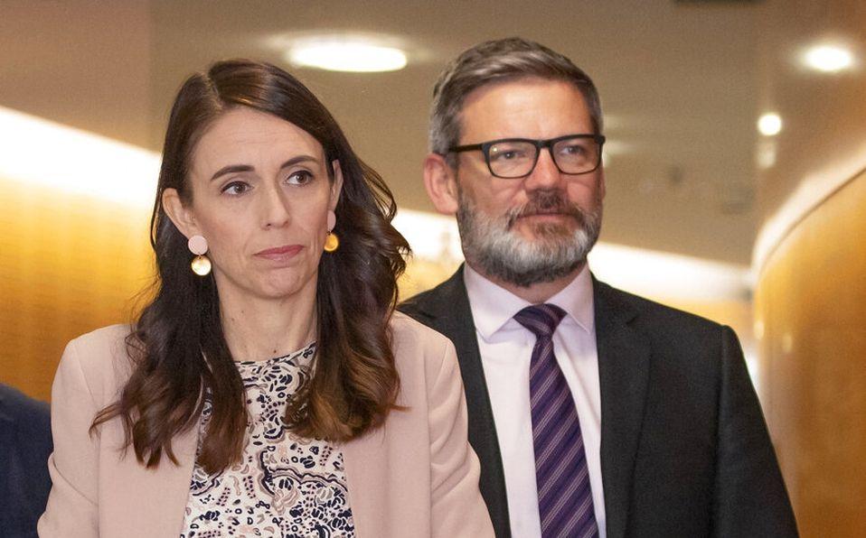 La primera ministra de Nueva Zelanda Jacinda Ardern echó al ministro Lees-Galloway por relaciones inapropiadas.