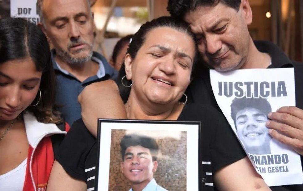 Los compatriotas Graciela Sosa y Silvino Báez siguen pidiendo justicia en Argentina. Van saliendo nuevas evidencias.