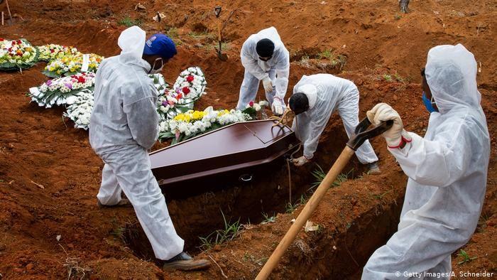 Las muertes en Brasil siguen constantes. Ya hay 120.000 fallecidos a causa del virus.