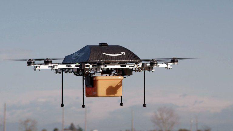 El futuro llegó. Paquetes de 2,27 kilos o menos se entregarán por drone.