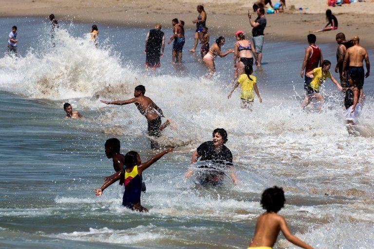 Durante el verano los estadounidenses hicieron la vista gorda al virus. Ahora puede tener consecuencias.