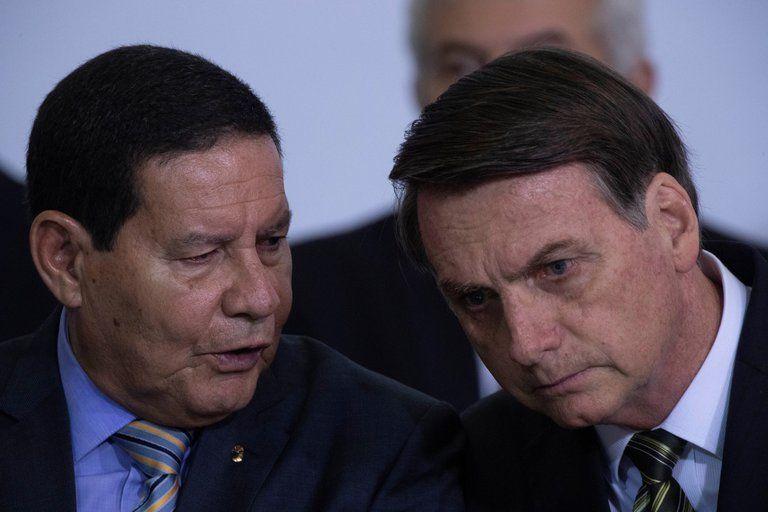 El vicepresidente de Brasil Hamilton Mourao contradijo a Bolsonaro diciendo que comprarán la vacuna de China.