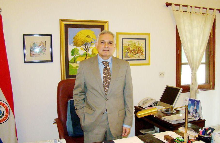 Genaro Pappalardo dice que hay novedades sobre el caso CAJUBI pero está apremiado de tiempo para hablar.