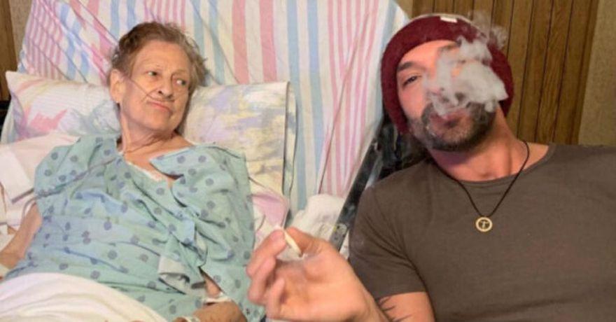 """La anciana padecía de cáncer avanzado y ya no reaccionaba a la quimioterapia. Así, se pegó un """"viajecito"""" con su nieto."""