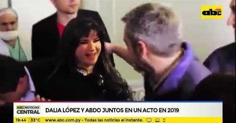 Publicación de ABC de un acto presidencial en septiembre de 2019. Dalia saluda a Marito