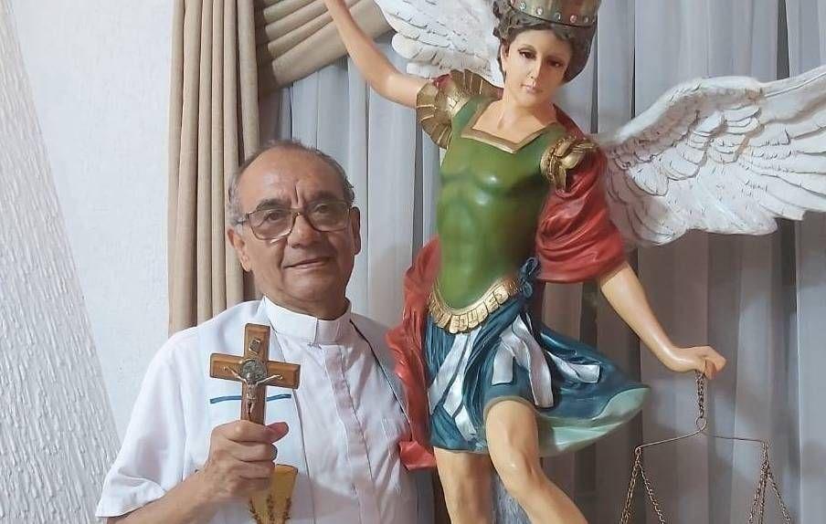 El padre Pedro Silva era un conocido sacerdote exorcista que trabajó con varias comunidades en nuestro país.