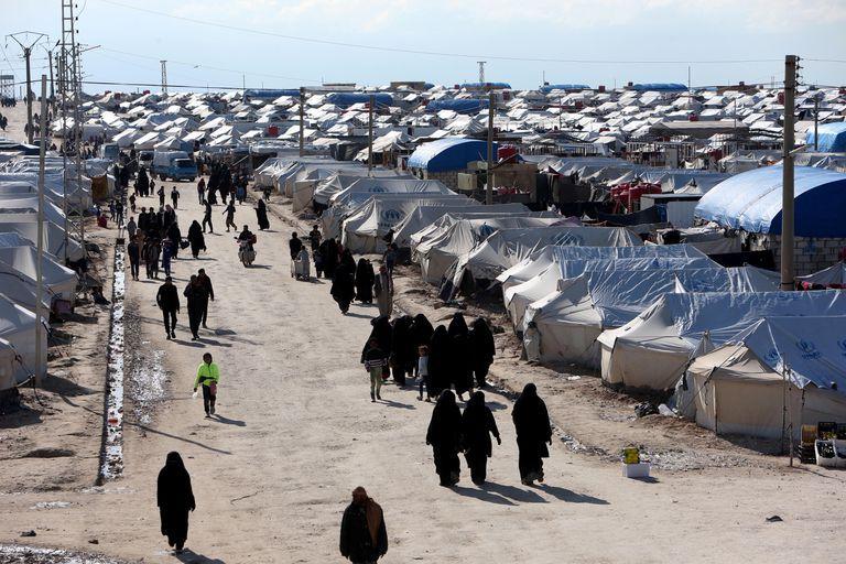 En el campo de Al Hol en el noreste de Siria hay más de 65 mil personas privadas de su libertad.