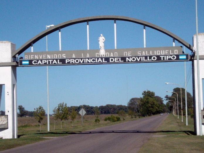 La ciudad de Salliqueló, ubicada al oeste de la Provincia de Buenos Aires tiene 7.500 habitantes y 1.300 aislados.