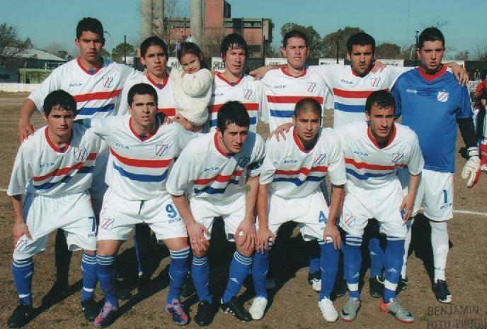 Es el club que alberga a paraguayos, hijos de paraguayos y extranjeros.