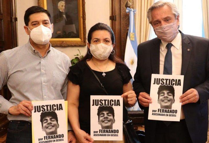 Los compatriotas y padres de Fernando fueron recibidos por el presidente argentino, Alberto Fernández, a un año del crimen.