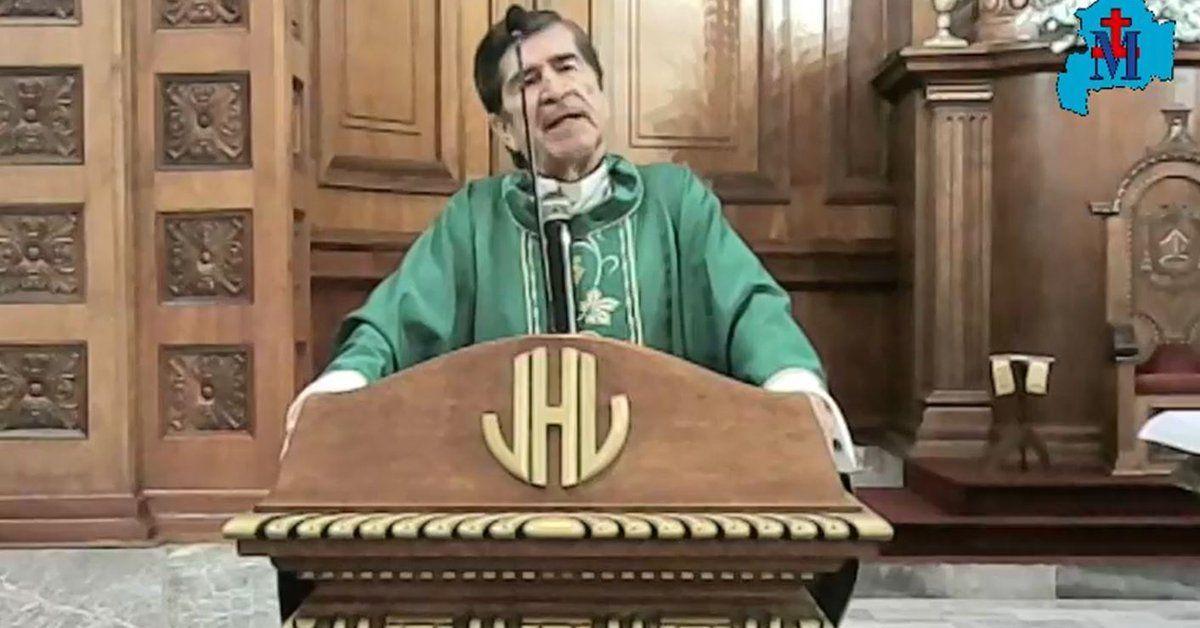 Monseñor Antonio González Sánchez y una polémica reflexión sobre los cuidados por el coronavirus durante una misa en México.