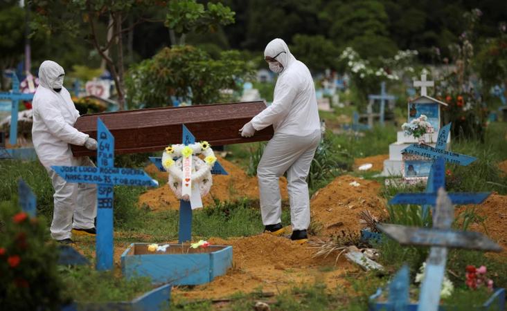 Más del 80 por ciento de camas en terapia intensiva ocupadas en Brasil, el sistema de salud se encuentra al borde del colapso.